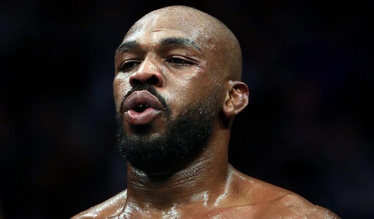 Boxe: Jon Jones partant pour affronter Mike Tyson sur un ring