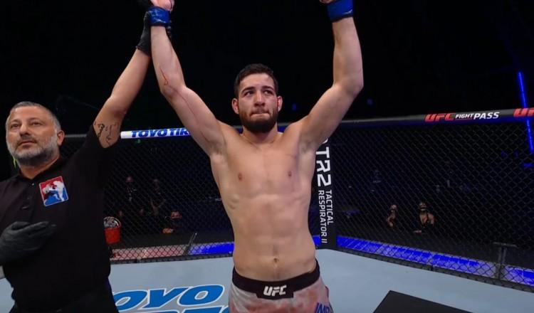 UFC on ESPN 27: Nassourdine Imavov surclasse Heinisch et signe son premier TKO à l'UFC