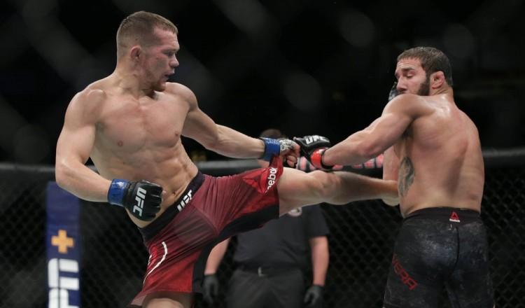 Aljamain Sterling out de la revanche contre Petr Yan à l'UFC 267