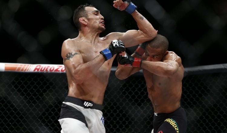 UFC – Dustin Poirier répond à la suggestion d'affronter Tony Ferguson