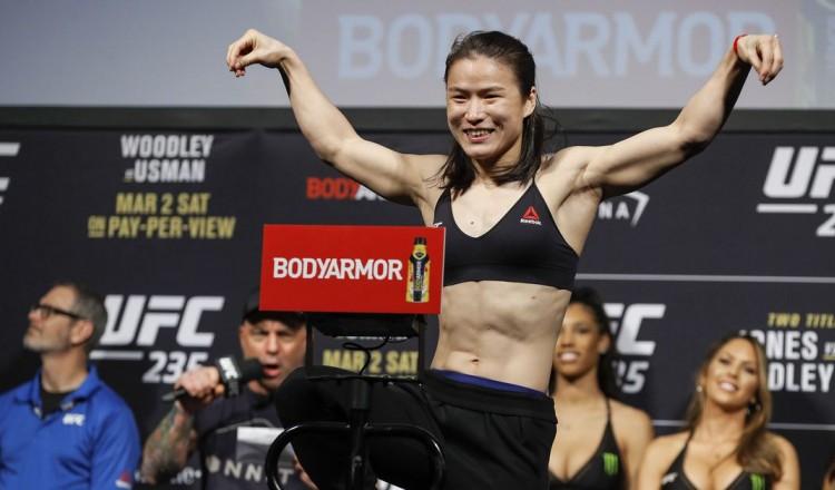 UFC – Weili Zhang vs. Rose Namajunas en main event de l'UFC 261