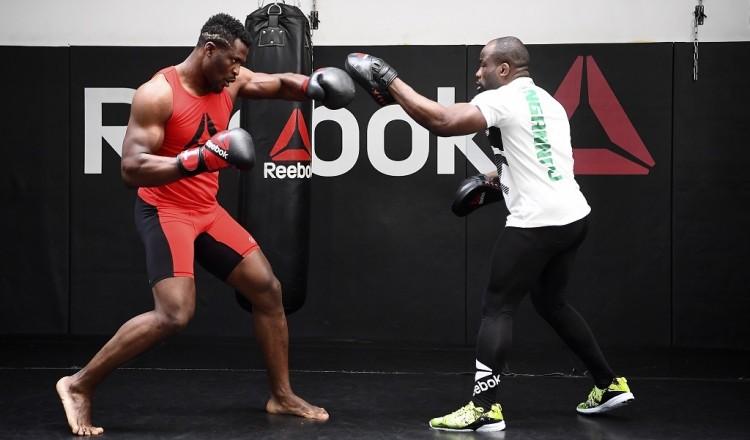 """Coronavirus: """"C'est la mort des salles de sport"""", le cri d'alarme du patron du MMA Factory"""