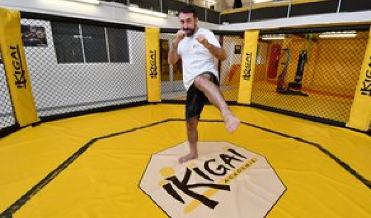 MMA : à Agen, le parcours du combattant Frignati
