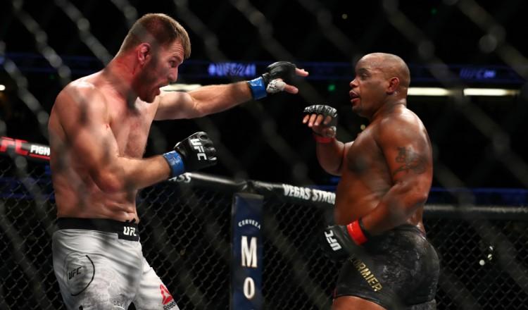 UFC 252: Miocic remporte la trilogie et envoie Cormier à la retraite