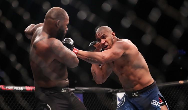UFC: Le prochain combat de Gane, touché par un pneumothorax, repoussé en juillet