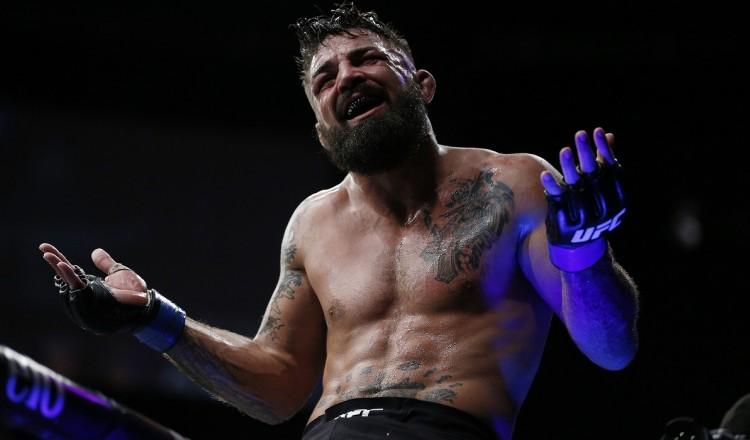 UFC: Mike Perry frappe plusieurs personnes et lance des insultes racistes dans un bar