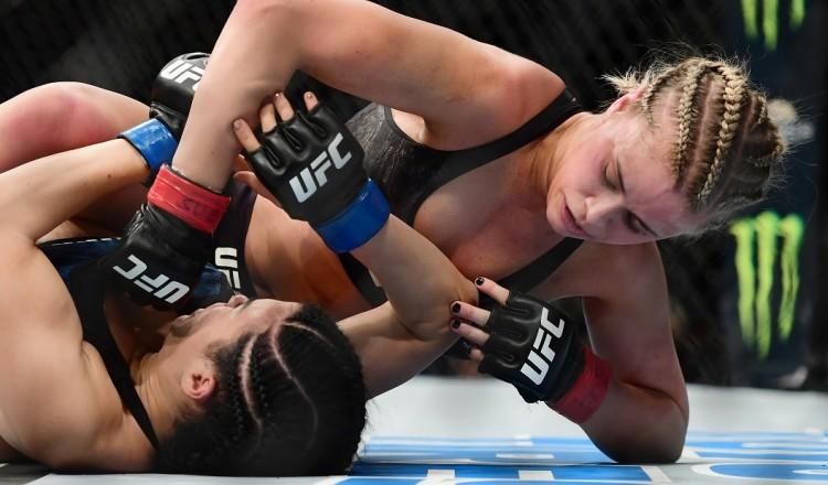 """UFC: Paige VanZant, la combattante star d'Instagram, """"DALS"""" et """"Swimsuit Issue"""""""
