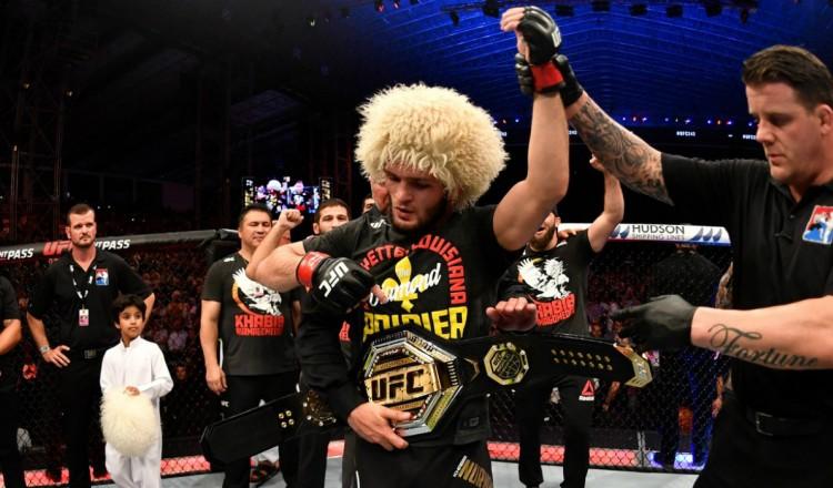 """UFC: Pas de retraite pour Khabib, qui combattra """"avant la fin de l'année"""""""