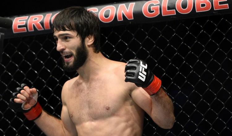 UFC: Tukhugov vole la vedette à Hooker avec un terrible TKO